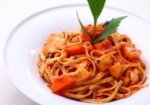 Pasta with tomatoes - en